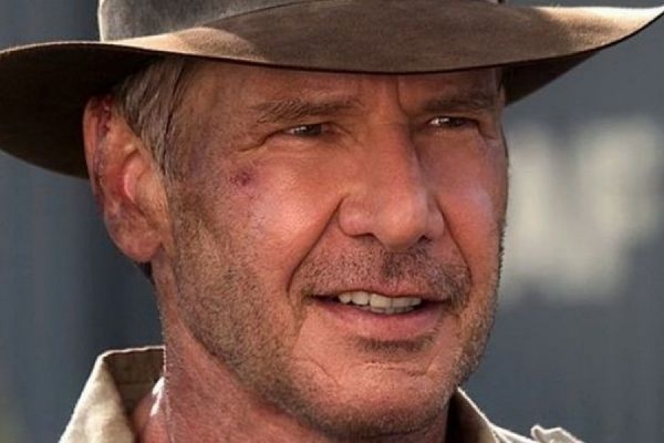 Переживший крушение самолета голливудский актер Харрисон Форд вышел из больницы