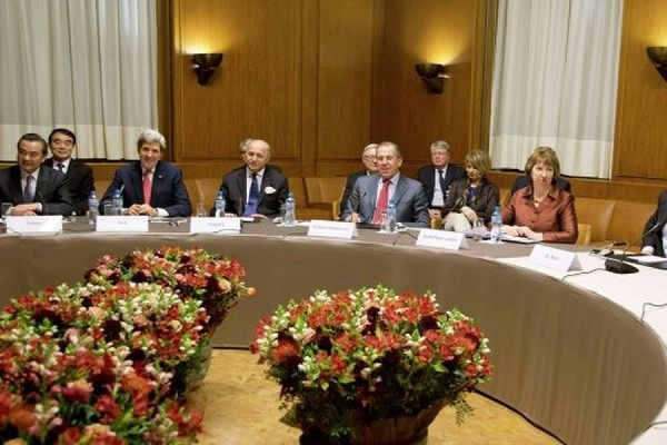 Ночные переговоры по иранской ядерной проблеме в Лозанне успехом не увенчались