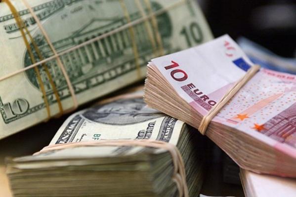 Курс евро к доллару корректируется