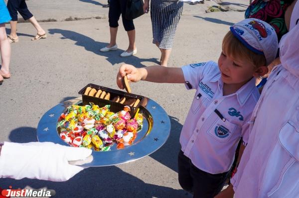 Более восьми тысяч екатеринбуржцев подали заявления на получение путевок в детские лагеря