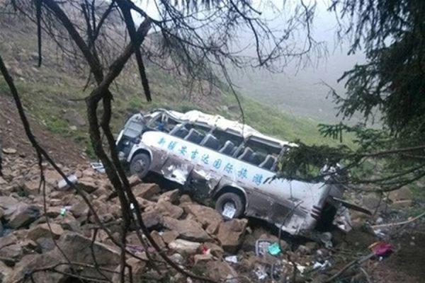 В Китае автобус сорвался с обрыва, погиб 21 человек