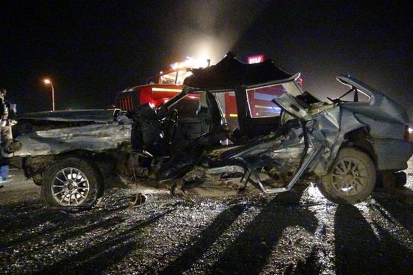 В Верхней Пышме водитель ВАЗа убил себя и пассажира, вылетев на встречку. ФОТО, ВИДЕО