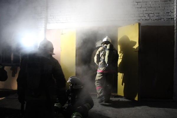 Пожар в модной галерее «Свитер» удалось потушить накануне вечером