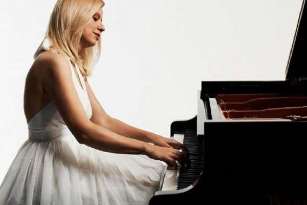 В Канаде известную пианистку Валентину Лисицу уволили из-за антиукраинских заявлений