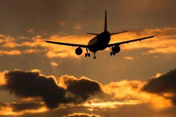 Во Франции 40% авиарейсов отменены из-за забастовки диспетчеров