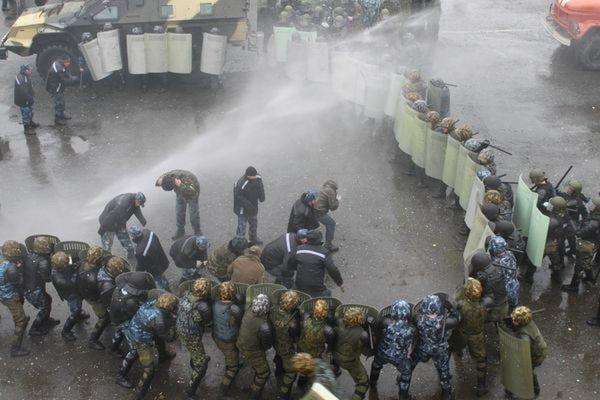 Внутренние войска МВД РФ провели учения по подавлению «Майдана»