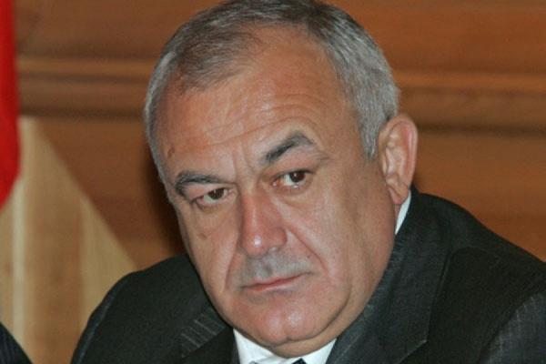 Глава Северной Осетии не пойдет в отставку досрочно