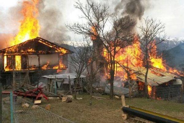 В Хакасии горят более ста жилых домов