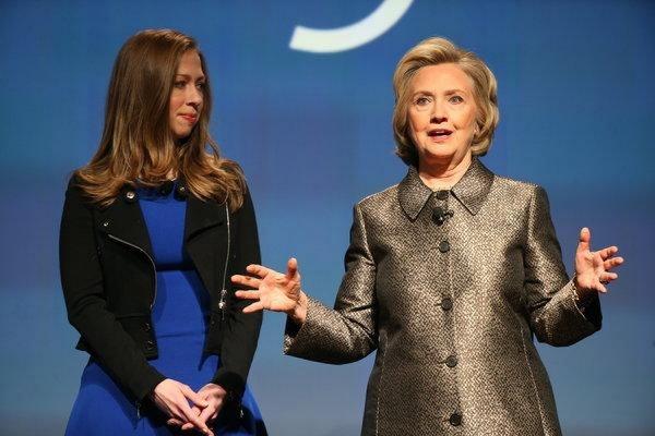Республиканцы в США начали кампанию против Хиллари Клинтон