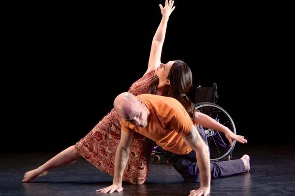 Танцовщики в инвалидных креслах выступят вместе со здоровыми людьми на сцене «Щелкунчика»