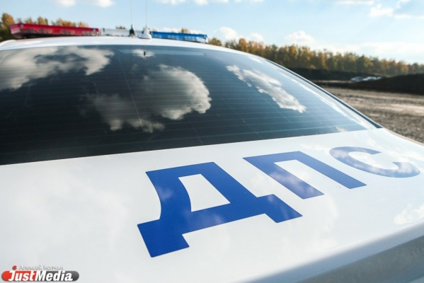 Пьяная автоледи на Hyundai Santa Fe врезалась в машину ГИБДД под Заречным