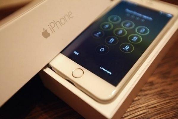 Apple снизила цены на телефоны iPhone в России на 4–8 тысяч рублей