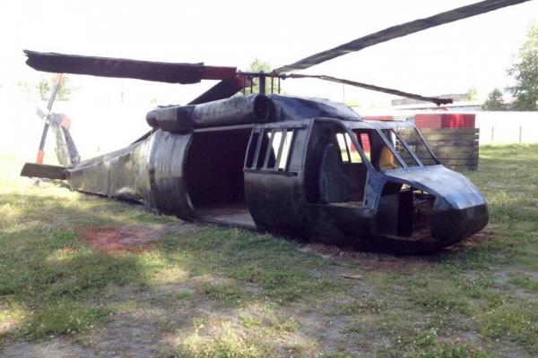 Рядом с парком Маяковского «упал» военный вертолет