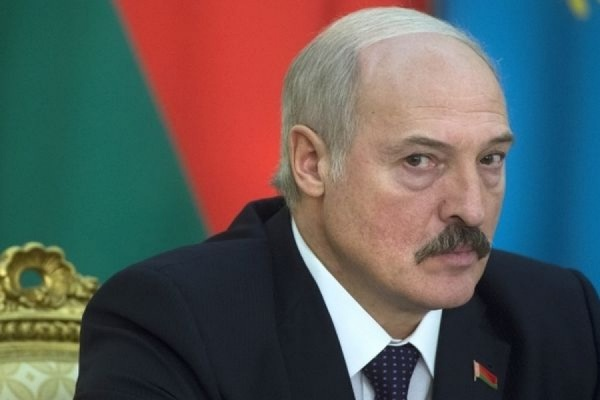 Песков прокомментировал решение Лукашенко пропустить парад Победы в Москве
