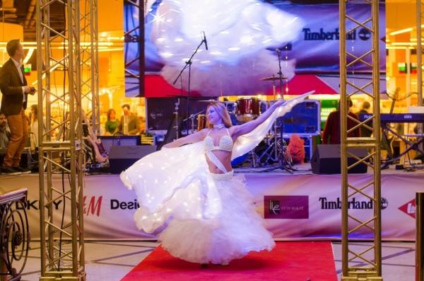 В Екатеринбурге под пристальным вниманием звезд прошла космическая «Ночь распродаж»