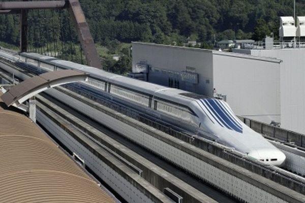 В Японии поезд на магнитной подушке установил новый рекорд скорости