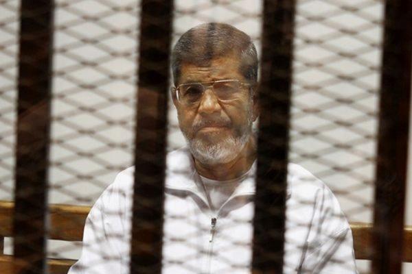 Суд Каира приговорил экс-президента Египта Мохаммеда Мурси к 20 годам тюрьмы