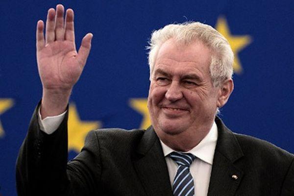 Президент Чехии Милош Земан усомнился в возможности нападения РФ на Прибалтику
