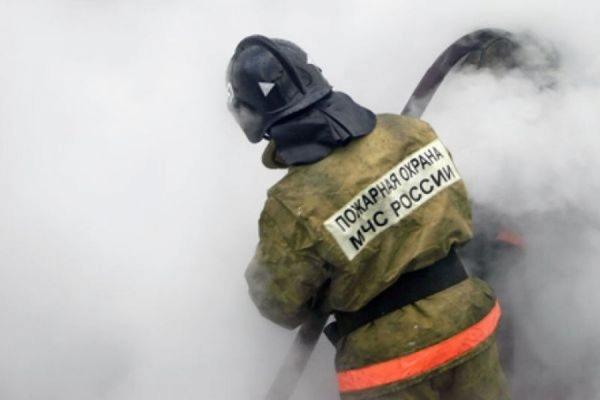 Пожар на складе на севере Москвы