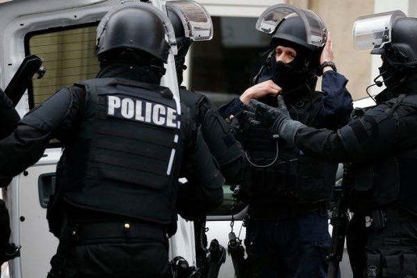 В Париже задержан исламист, готовивший теракты в церквях