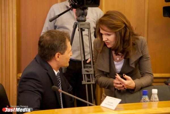 Ира Овчинникова в политических вопросах склоняется на сторону области.
