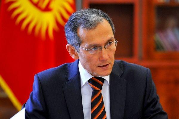 Премьер-министр Киргизии Джоомарт Оторбаев подал в отставку