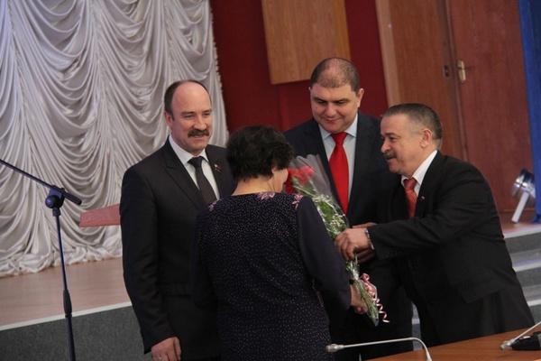 Вадим Потомский наградил представителей органов местного самоуправления Орловской области