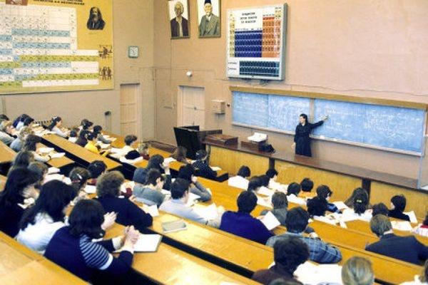 Правительству предложили на треть увеличить число иностранных студентов в вузах РФ