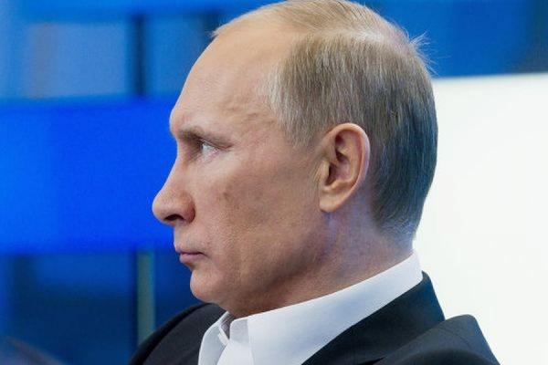 По данным ФОМ, электоральный рейтинг Путина вновь вырос до рекордных 76%