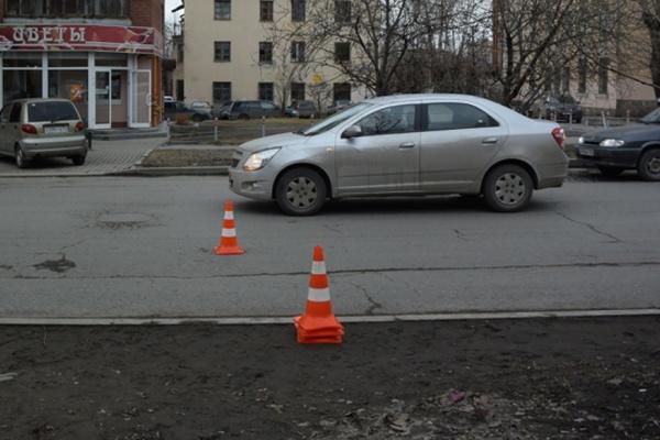 В Екатеринбурге водитель легковушки сбил одиннадцатилетнего мальчика