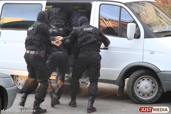 В Екатеринбурге задержали двух оборотней в погонах, вымогавших деньги у наркоторговцев