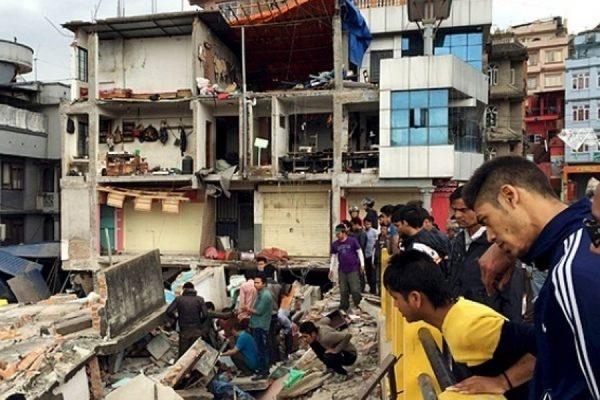 Число жертв землетрясения в Непале превысило 2,1 тысяч человек