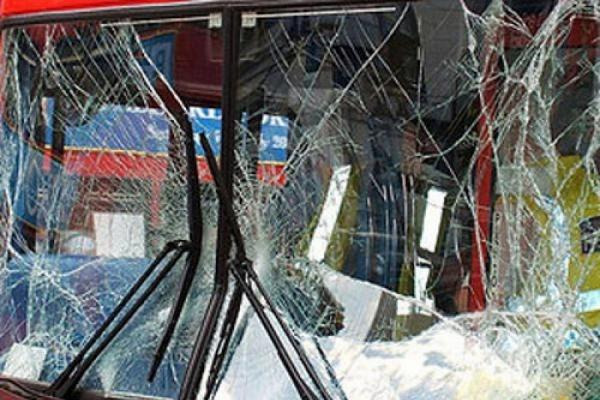 В Тюменской области в результате ДТП перевернулся автобус