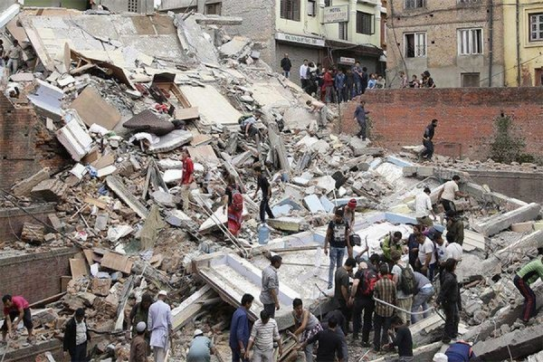 Количество погибших в результате землетрясения в Непале достигло 3,7 тыс человек