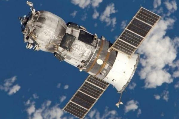 Космический корабль «Прогресс» так и не смог пока пристыковаться к МКС