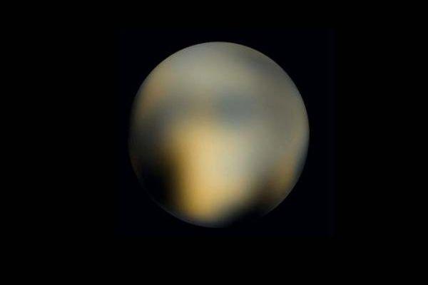 Запущенный в 2006 году зонд НАСА New Horizons передал на Землю уникальные снимки Плутона