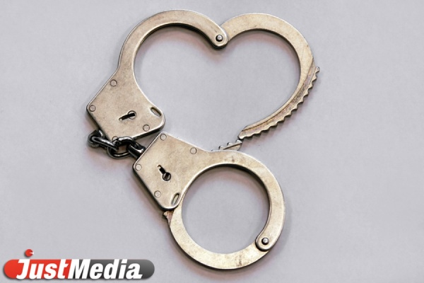 Во время задержания житель Верхнего Тагила напал на правоохранителя