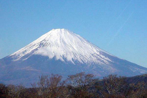 В курортном районе Японии объявлена эвакуация из-за угрозы извержения вулкана