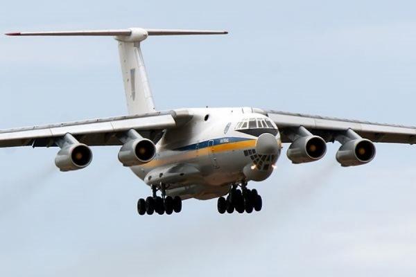 Украинский самолет, эвакуирующий людей из Непала, вылетел из Дели в Баку