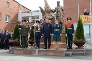 «Важно, что памятник воздвигнут на народные средства». Куйвашев принял участие в открытии памятника военным медикам