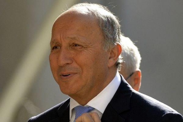Францию на праздновании Дня Победы в Москве представит глава МИД Лоран Фабиус
