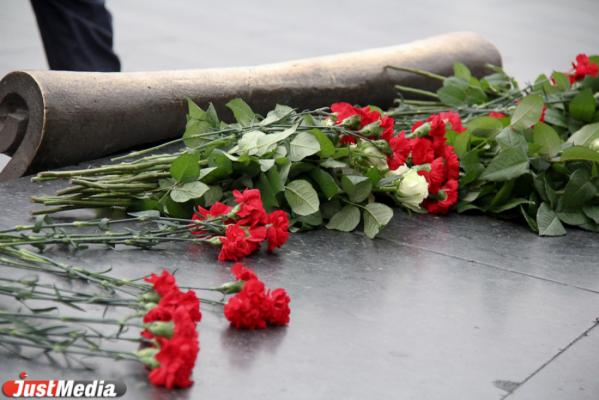 В Екатеринбурге накануне Дня Победы появится «народный» памятник «С чего начинается Родина»