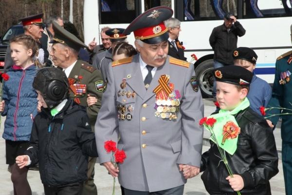 На Широкореченском мемориале сотрудники полиции и ветераны почтили память погибших воинов