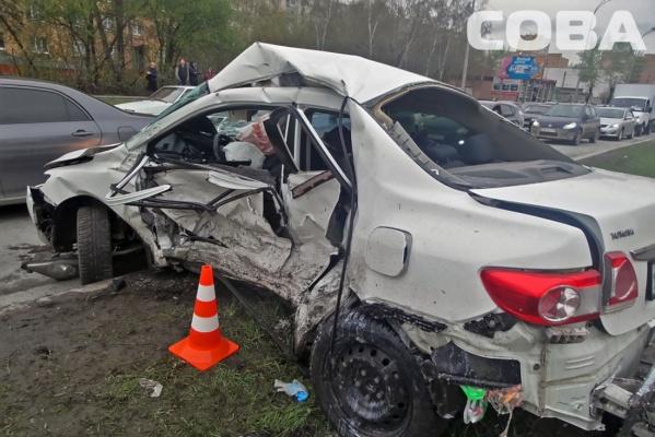 В Екатеринбурге в результате столкновения двух Тойот погиб человек