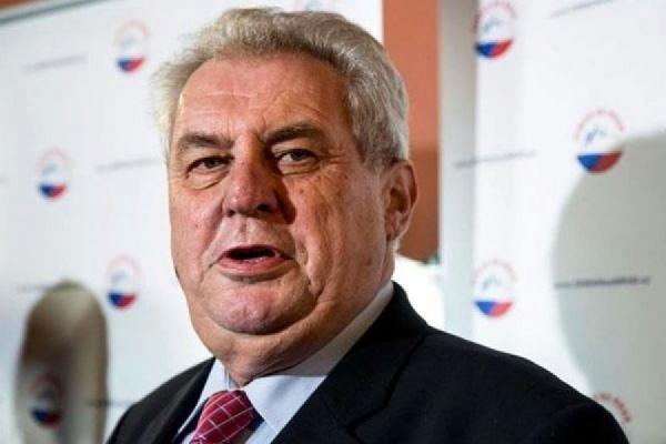 Президент Чехии выступил за снятие санкций против России