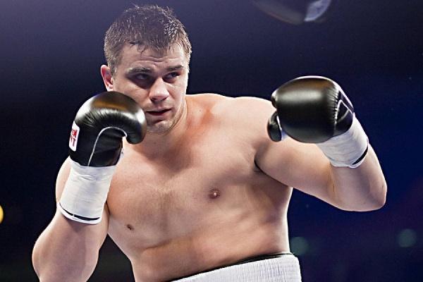 Российский боксер-тяжеловес Денис Бойцов введен в искусственную кому