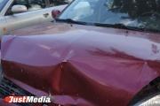 «Ну, явно под чем-то!» На Сортировке водитель «Лексуса», паркуясь, повредил десять машин
