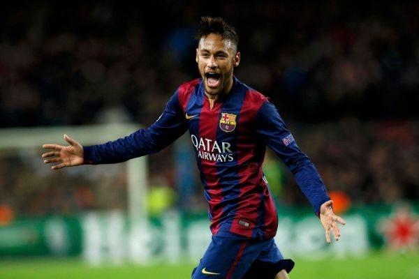 Испанская «Барселона» стала первым финалистом Лиги чемпионов