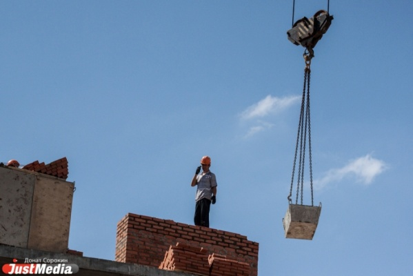Мэрия оштрафует «Сосновый бор» за нарушения при реконструкции здания на Алтайской