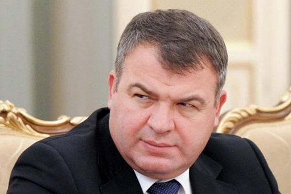 Парламентское расследование в отношении Сердюкова возбуждать не стали